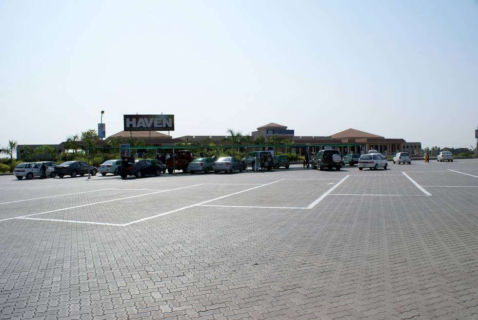 Midway stop on the Motorway - Bera