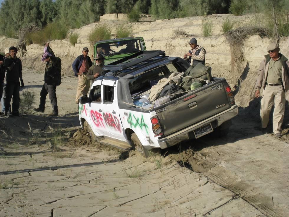 6th one to get stuck (Toyota Hilux Vigo).