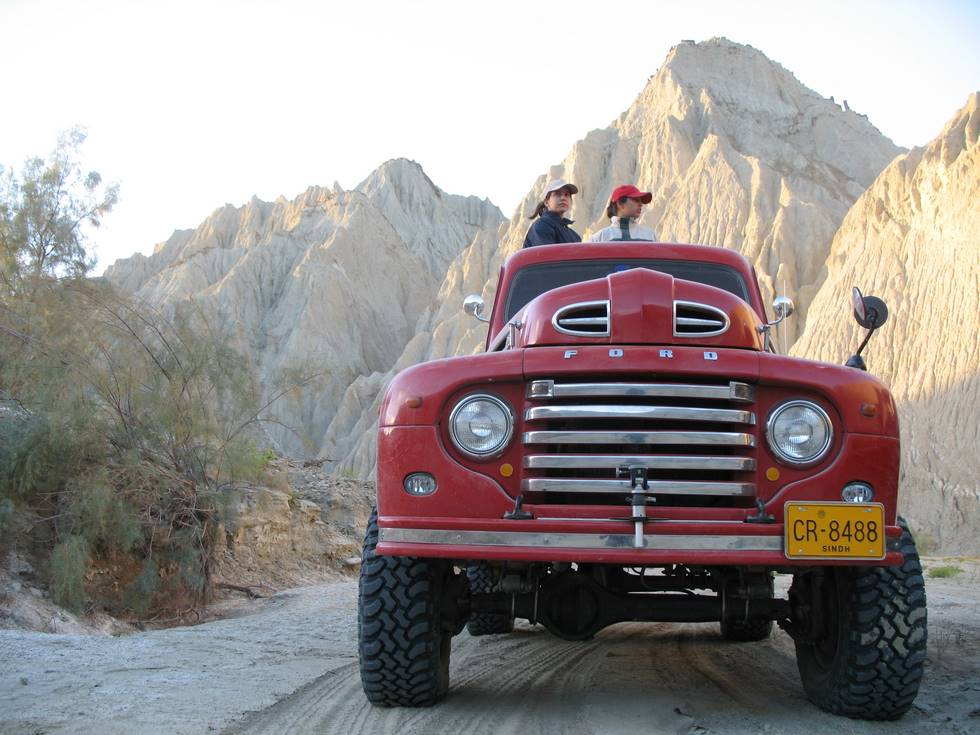 Ford F1 (1948) in the Hingol Valley : Heading for Goran Gattee ...