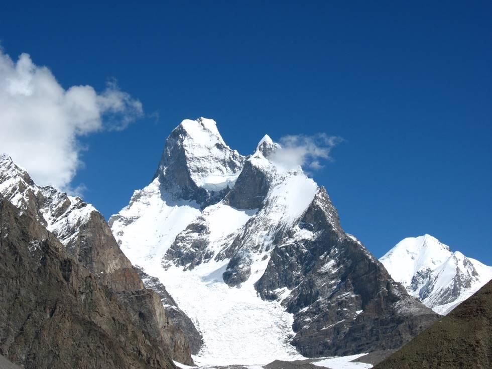 Peaks around Concordia 3