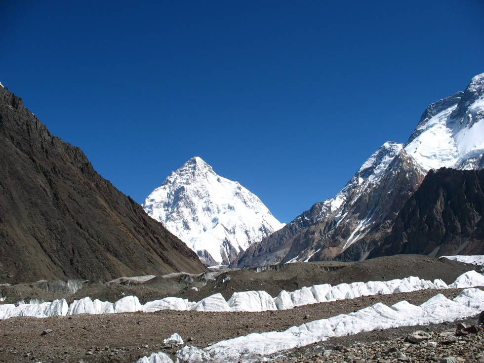 Ice fence before K2