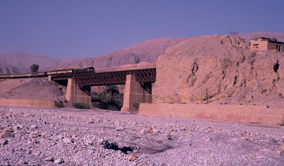 Train Pic from Riverbed