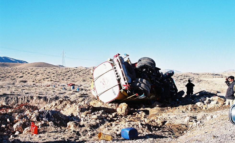 Broken Tie Rod End Symptoms http://offroadpakistan.com/pictures/quetta_2004/overturned_tank.html